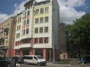 Продається приміщення в новозбудованому торгово-офісному центрі.